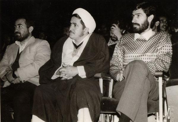 سال 1367 ـ تهران ـ حوزه هنري: محمدرضا سرشار، حجت الاسلام محمدعلي زم