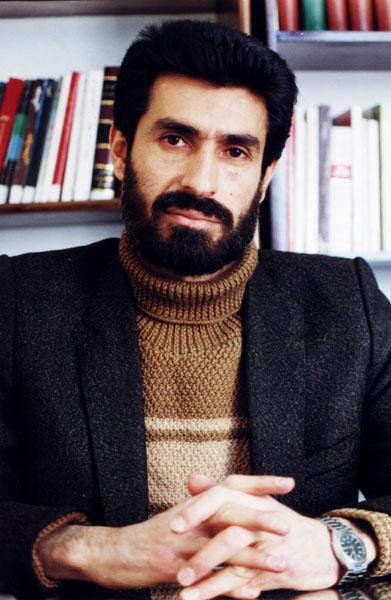 محمدرضا سرشار ـ سال 1374 ـ تهران ـ ماهنامه ادبيات داستاني